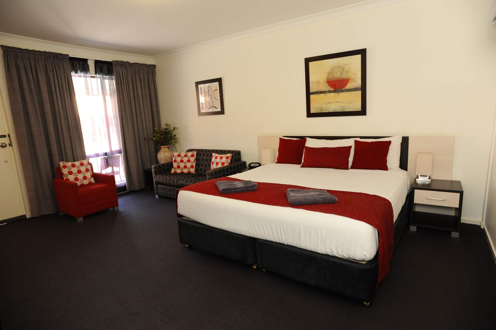 Horsham Mid_City Motel Deluxe Room