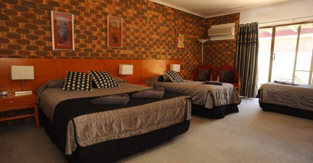 Horsham Mid_City Motel Family Room